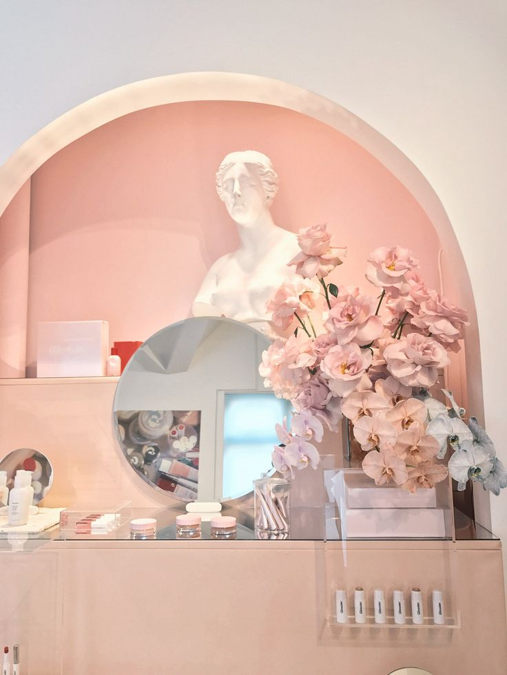 Glossier Showroom, NYC | Zoe With Love, Pittsburgh Lifestyle Blog
