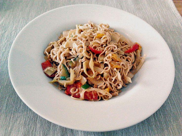 Mie-Nudeln mit Gemüse in Erdnusssoße, ein leckeres Rezept aus der Kategorie Gemüse. Bewertungen: 5. Durchschnitt: Ø 3,6.