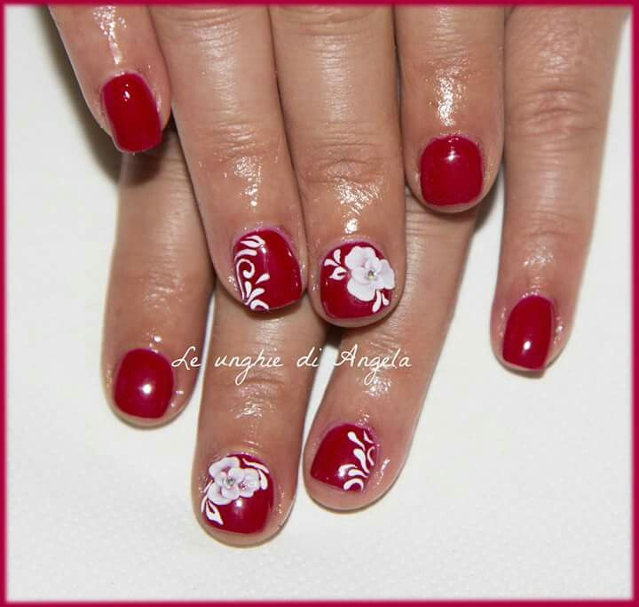 Acrylic 3D roses on red gelpolish