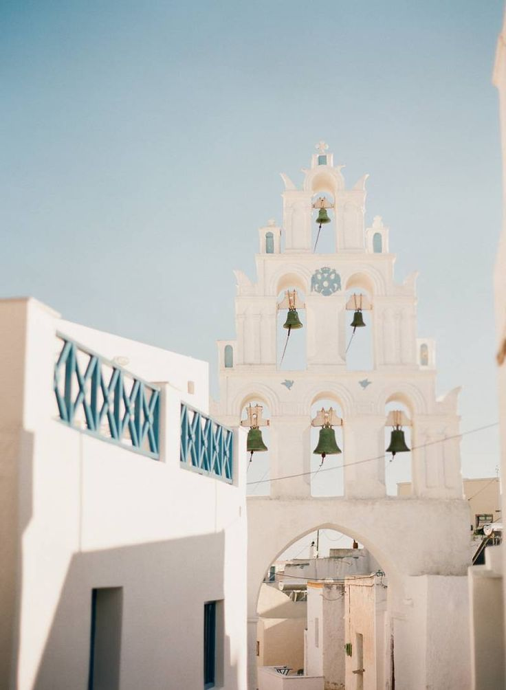 Free spirited bridal inspiration on Santorini via Magnolia Rouge