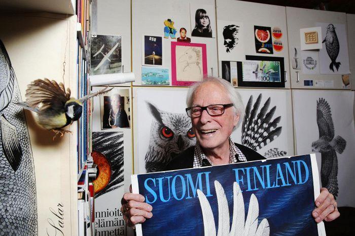 Mestari ei osaa jäädä eläkkeelle. Erik Bruun on todistanut ajattomuutensa muun muassa 1950-luvulla suunnittelemillaan Jaffa-julisteilla, jotka ovat palanneet jälleen kiertoon.