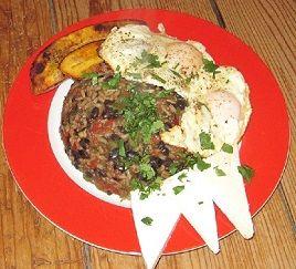 Vegatopia - Gallo pinto, rijst en bonen als ontbijt