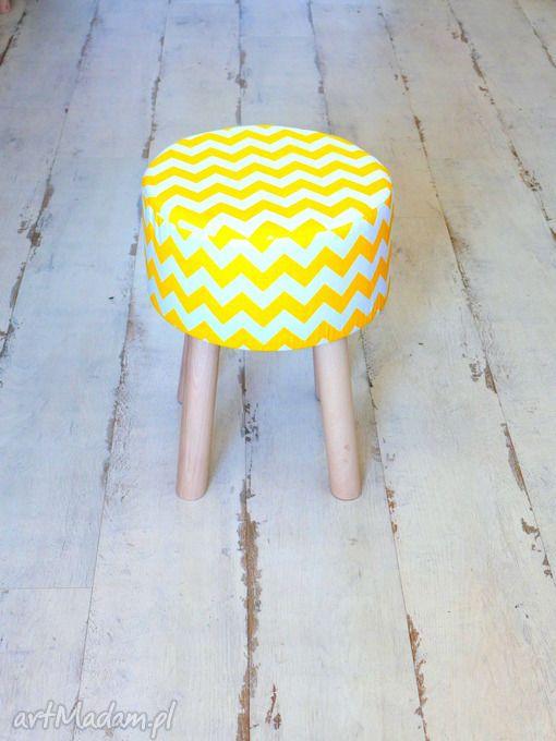 Stołek fjerne żółte zygzaki pufy tworczy kat puf taboret drewno