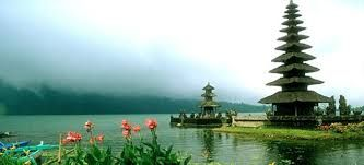 Beratan lake is a beautiful tourist spot contained temple floating in the middle of the lake<3