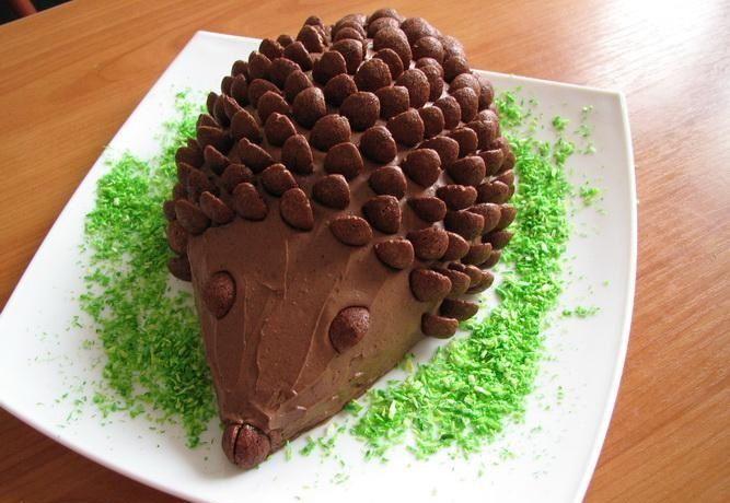 Csokoládés sünitorta sütés nélkül – minden gyermek álma!