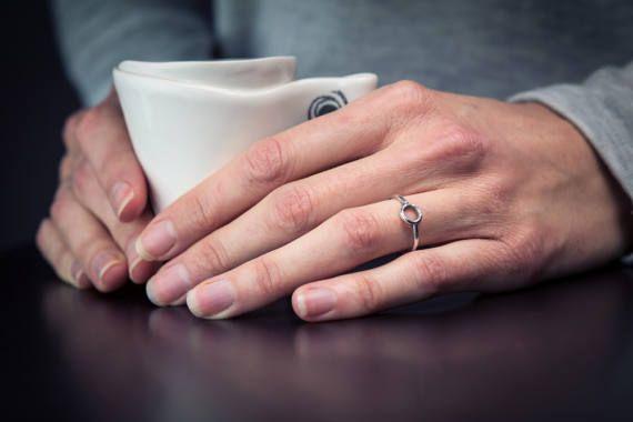 Bague en argent avec fil rond et anneau fusionné bague