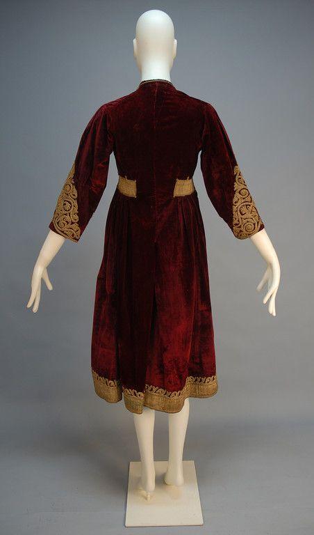 Turkish dress - back  http://whitakerauction.smugmug.com/