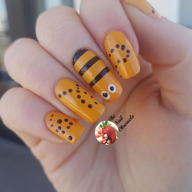 Best 25 bumble bee nails ideas on pinterest pencil nails get your nails ready for spring with these cute bumble bee nails prinsesfo Image collections