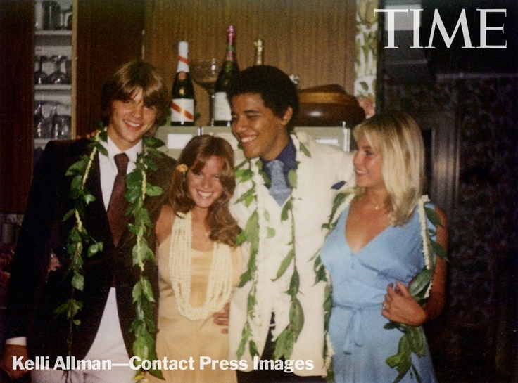 From left: Greg Orme, Kelli Allman, Barack Obama and Megan Hughes at Allman's parents' house in Honolulu.