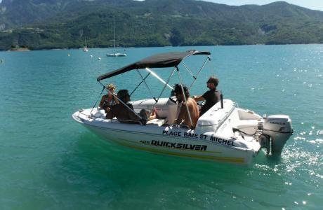 Pour 1h de location bateau ss permis, La Plage Baie Saint Michel vous offre la deuxième