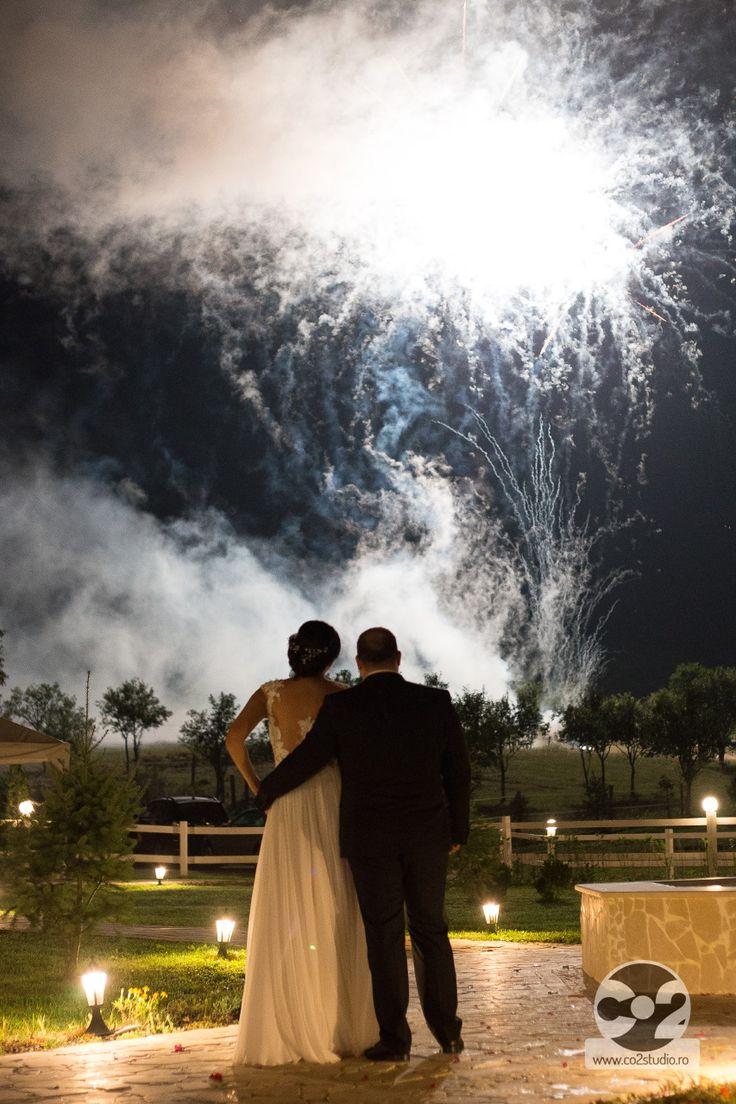 La ora 00:00 artificiile marcheaza cu adevarat momentul vostru ...<3 #momentsnotthing  #ArchiaEvents