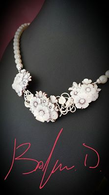 Necklace with cultured pearls, handcarved sea shell cameos and White gold
