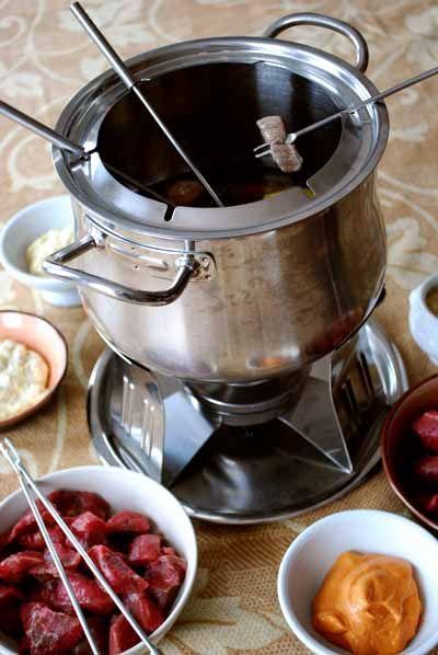 Cómo hacer la fondue de carne o fondue bourguignon, paso a paso