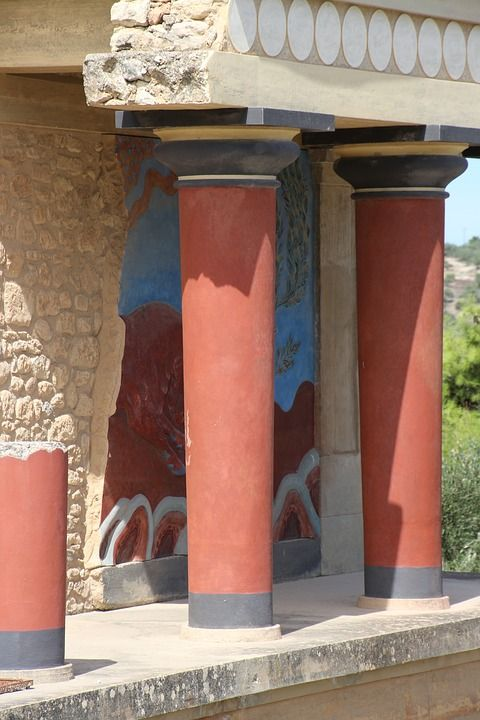 Knossos was one of the most advanced cities of ancient #Greece and the centre of the famous Minoan civilization.