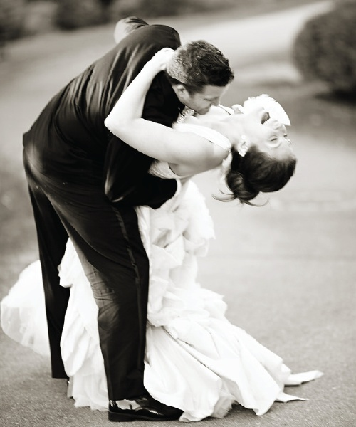 Must have #wedding shot of bride and groom