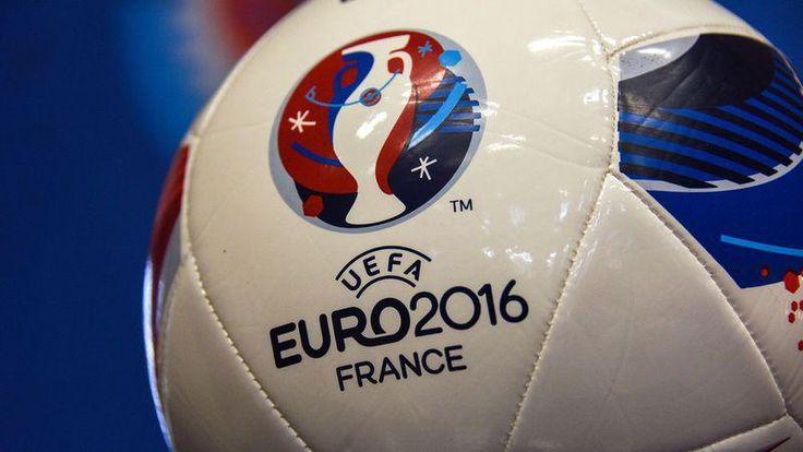 [LPQG Niouzes] Football: Marine Le Pen veut que la France sorte rapidement de lEuro 2016