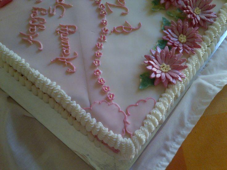 Piquant corner on sheet cake
