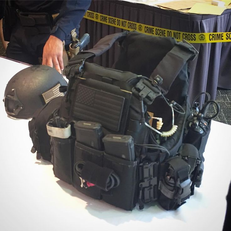 """1,998 Likes, 16 Comments - FirstSpear (@firstspear) on Instagram: """"Assaulter Armor Carrier on display at the annual Police Foundation #FirstSpear #LawEnforcement…"""""""