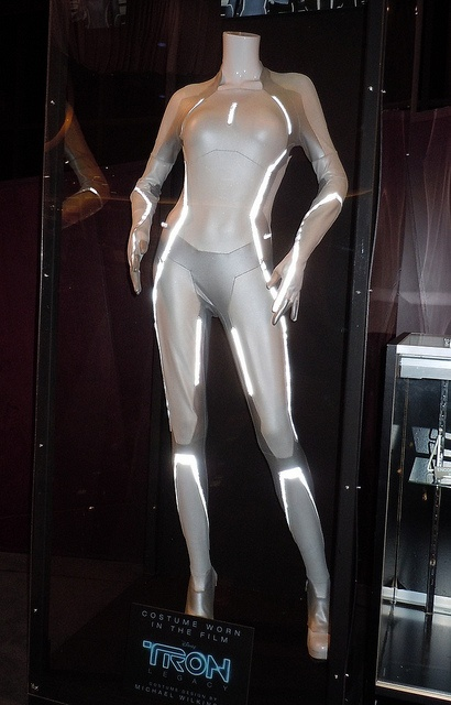 Tron Legacy Siren costume. Reference