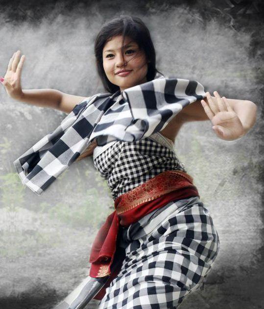 Saput poleng adalah selembar kain bercorak kotak-kotak dengan warna putih dan hitam seperti papan catur dan sebagai simbol masyarakat Hin...