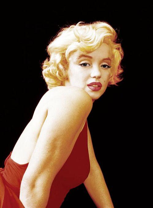 marilyn red dress sitting photo by milton greene 1957