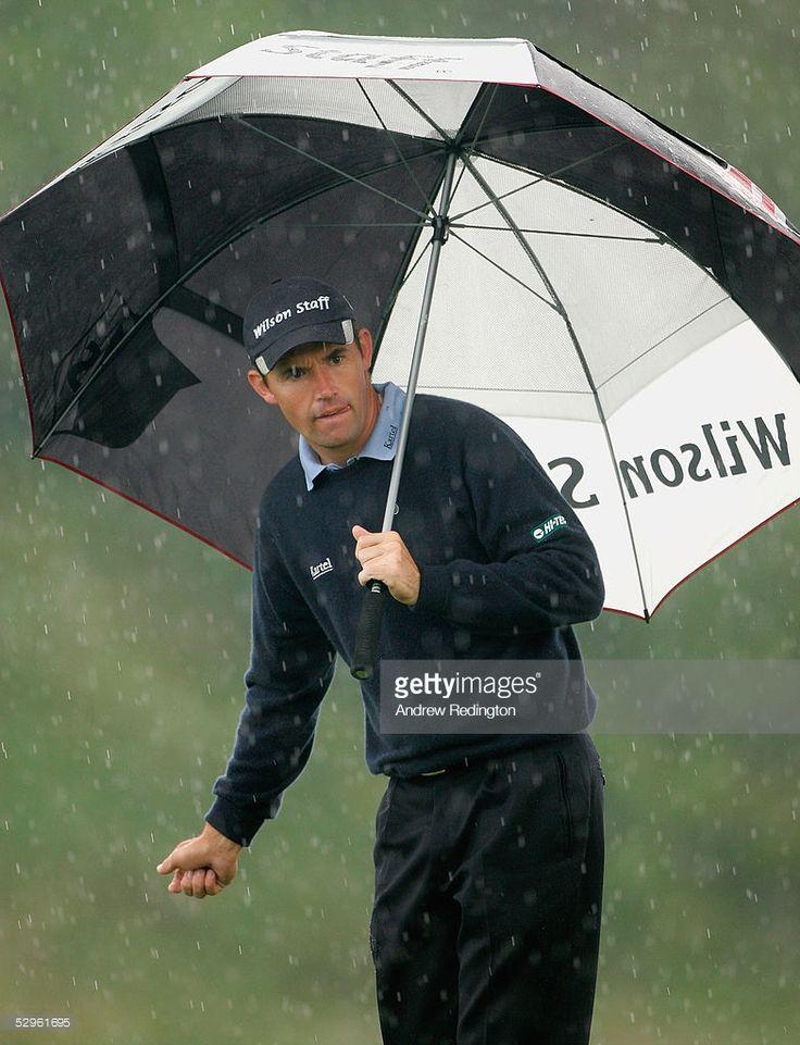 News Photo : Padraig Harrington of Ireland visualizes his...
