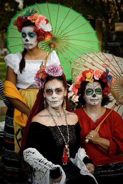 Fantasia de Caveira Mexicana  Simbologia e 40 modelos diferentes ... e8e4f02956f