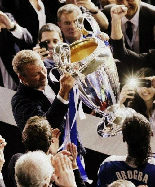 Roman Abramovich who turned Chelsea into a football super-power. His devotion to the club and his amazing business sense makes him one of my greatest inspirations.