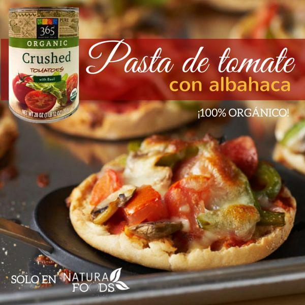 Utiliza este producto como base en la preparación de mini pizzas ideales para complacer pequeños antojos o como boquitas.  Adquiérelo en http://naturafoodsmarket.com/producto/sopas-y-salsas/tomates-machacados-organicos-con-albahaca-28-oz-2/