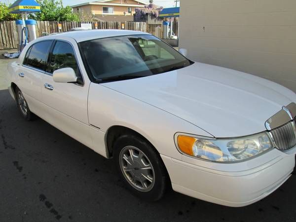 Used 1998 Lincoln Town Car For Sale ($5,500) at Hayward , CA 94544