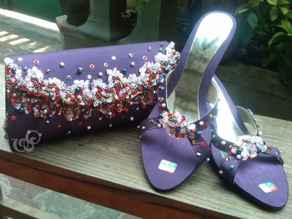 clearwood #clutchbag, Lista's order for her purple night gown