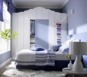 Расположение кровати напротив окна