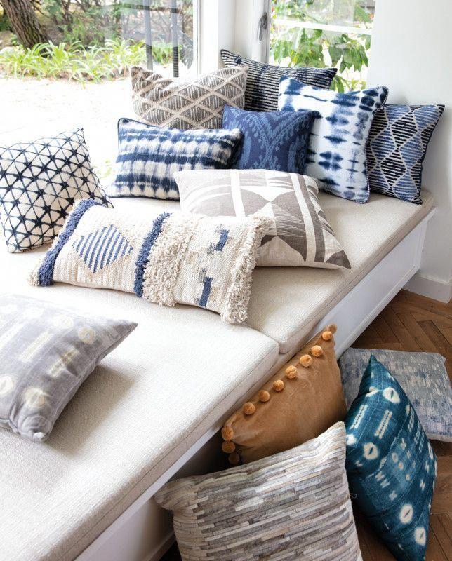 Accent Pillows Neutral Indigo Geometric Patterned Styles Minimalistdecorwood Deco Chambre Orientale Maison Bord De Mer Decoration Decoration Interieure