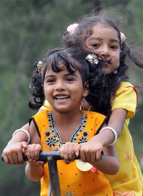 Sri Lankan children take a day off at the Vihara Maha Devi park in the capital, Colombo.