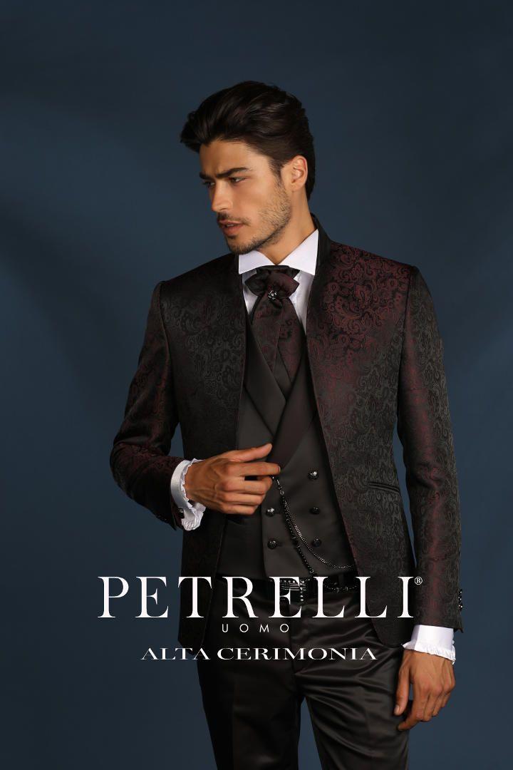 9051bd623b88 La collezione 2018 di abiti da sposo firmata dalla sartoria Petrelli Uomo è  arrivata in atelier. Ammira questi magnifici vestiti da sposo realizzati al  100% ...