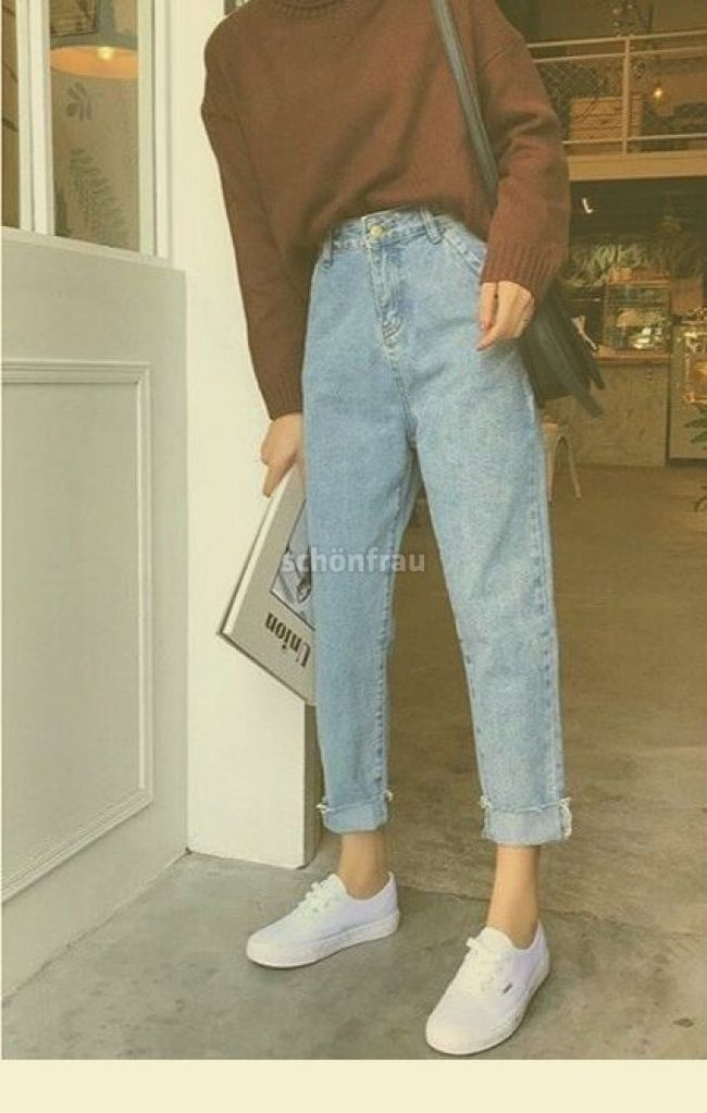 Retro Jeans White Sneakers In 2019 Aesthetic Clothes Vintage Outfits Cute Outfits Retro Je Super High Waisted Jeans Mom Jeans Outfit Comfy Jeans Outfit