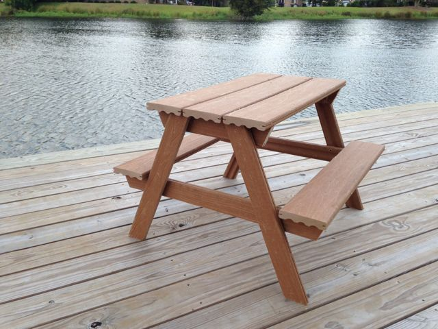 $45 Toddler Picnic Table made from Composite Decking | Free Plans | rogueengineer.com #DIYpicnictable #babyandchildDIYplans