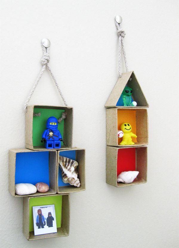 Goedkope knutseltips voor de kinderkamer van Speelgoedbank Amsterdam voor kinderen en ouders. Recycle / upcycle goedkoop knutselen met dozen / karton