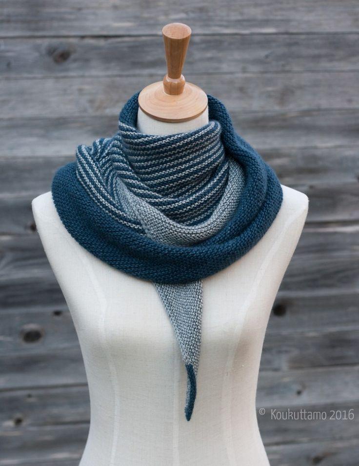 Tailwind shawl by Clara Falk | free Ravelry download | Koukuttamo