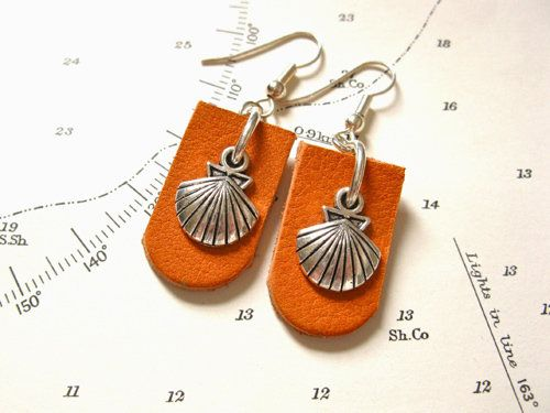 Camino earrings - concha scallop shell + leather, £14.85