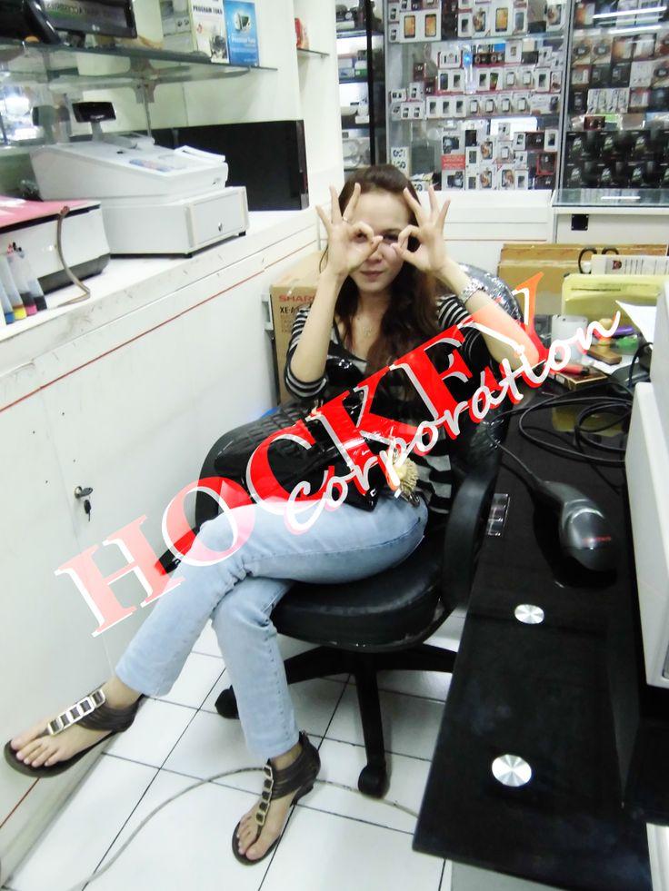 Mesin kasir nya para blonde hanya di http://www.deltanetsolution.com