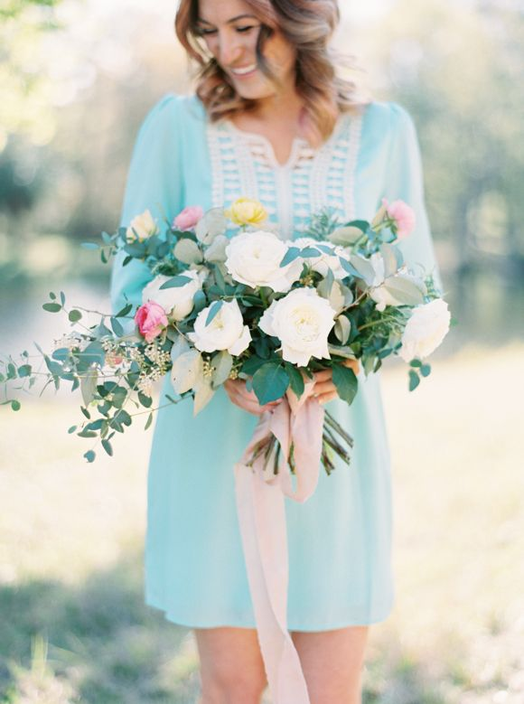 mint dress| Pink and Turquoise Wedding Ideas | https://www.fabmood.com/pink-and-turquoise-wedding-ideas #weddingpalette #turquoisewedding #weddingideas