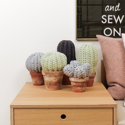Cactus - crocheted - Stoff & Stil