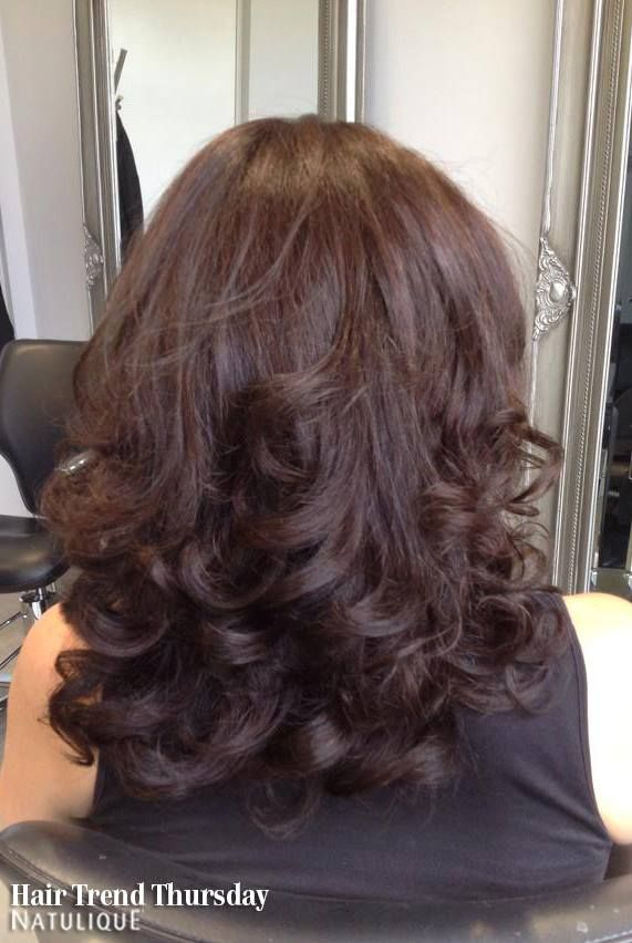 Delicious chocolaty curls from Philosophy Organic Hair Studio. #NATULIQUE #NATULIQUEchic #HairTrendThursday #Colouring #Natural #HealthyHair