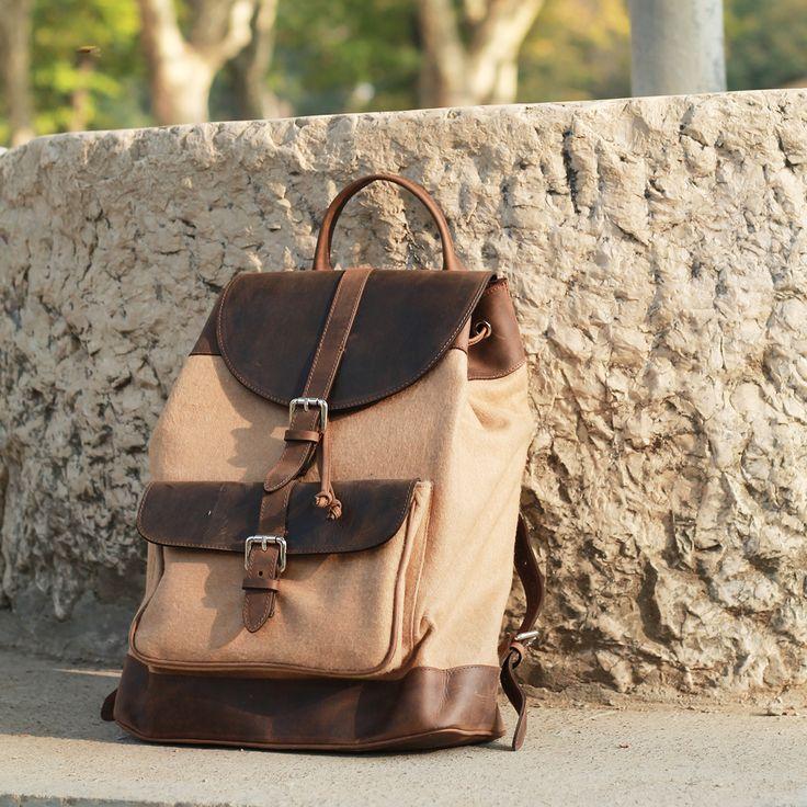 La soluzione perfetta per i veri travelers. Uno zaino pratico, versatile e smart che ti permetterà di organizzare tutto l'occorrente per i tuoi viaggi, anche quelli quotidiani! #bormio #backpack #awesome #nature #bag