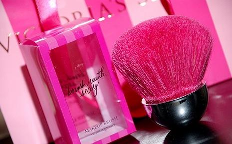 victoria's secret: Pink Summer, Victoriasecret, Soft Pink, Pink Victoria Secret Make Up, Pink Makeup, Girly Girls, Girls Things, Tumblr Victoria Secret Pink, Beautiful Products