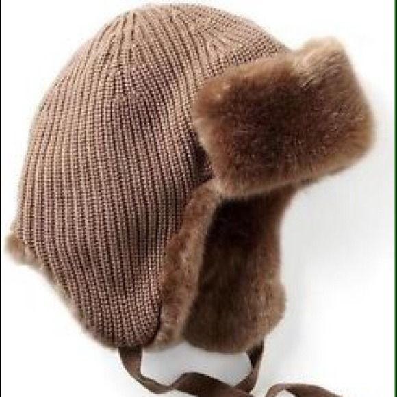 Banana Republic Faux Fur Trapper Hat & Neck Warmer 🆕Banana Republic Faux Fur Trapper Hat & Neck Warmer | Covershot credit: Banana Republic | Buyer Confidence: ♻️sales item comes from a smoke-free and pet-free home Winter Sale❄️ marching items pic how to pair only Banana Republic Accessories Hats