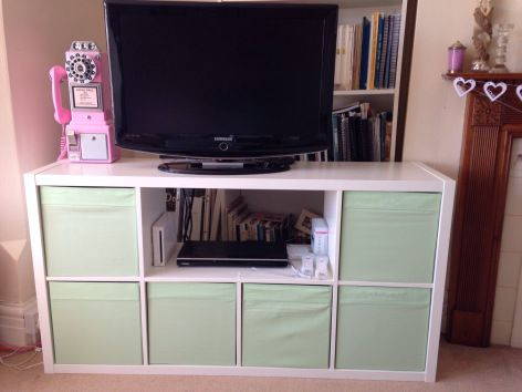 very quick ikea hack expedit kallax bookshelf to tv bench with storage mint green ikea. Black Bedroom Furniture Sets. Home Design Ideas