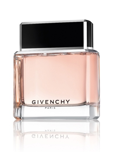 Dahlia noir Givenchy smells lovely - like rose and baby powder