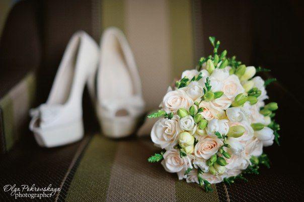 Букеты невесты из роз и фрезий. Изысканная классика. | Свадебные букеты в Минске